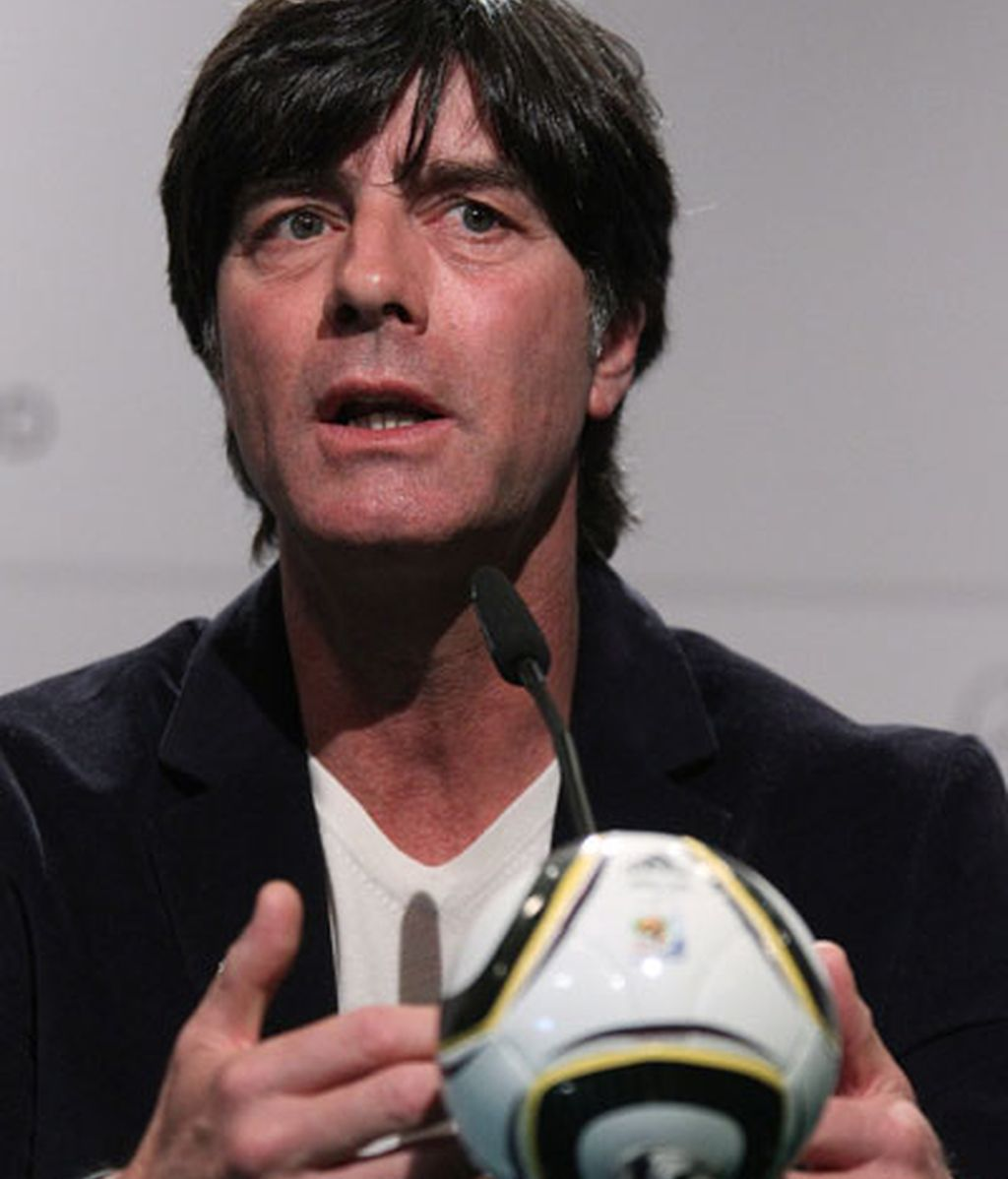 Joachim Löw destaca el juego de Iniesta y Xavi en el centro del campo.