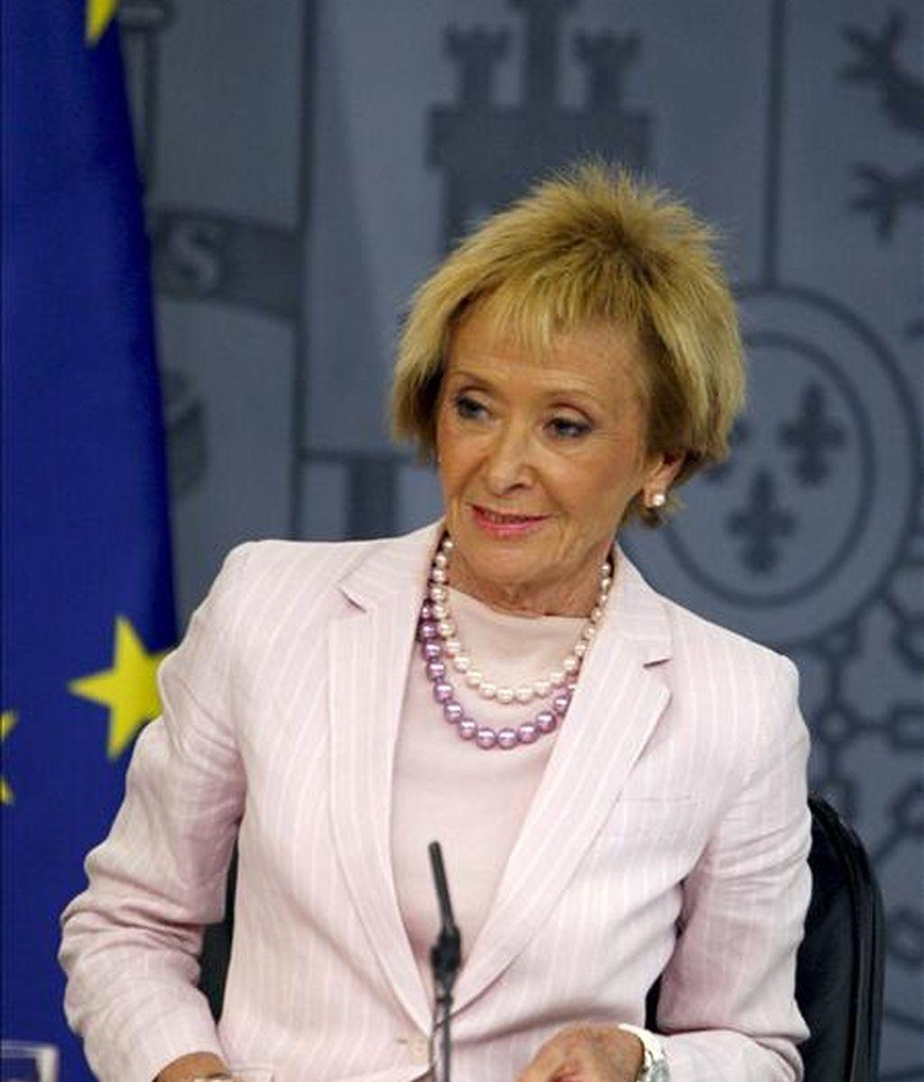 La vicepresidenta primera del Gobierno español, María Teresa Fernández de la Vega, durante la rueda de prensa que ofreció este viernes tras reunión del Consejo de Ministros. EFE