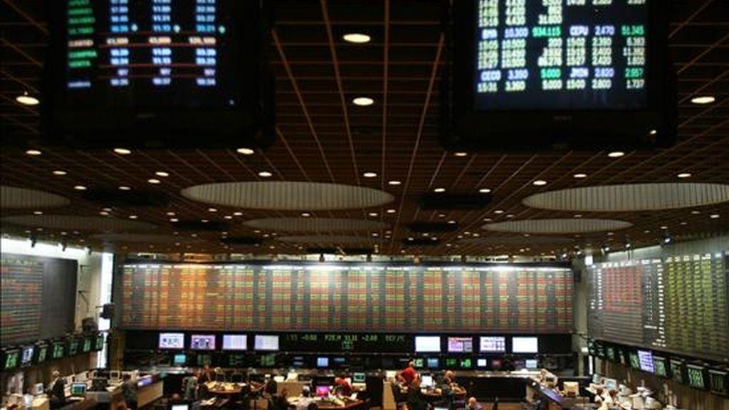 El índice Merval del mercado de Buenos Aires ganó hoy un 0,62%, hasta las 1.079,04 unidades, luego de operaciones que sumaron 40,9 millones de pesos (11,6 millones de dólares). EFE/Archivo