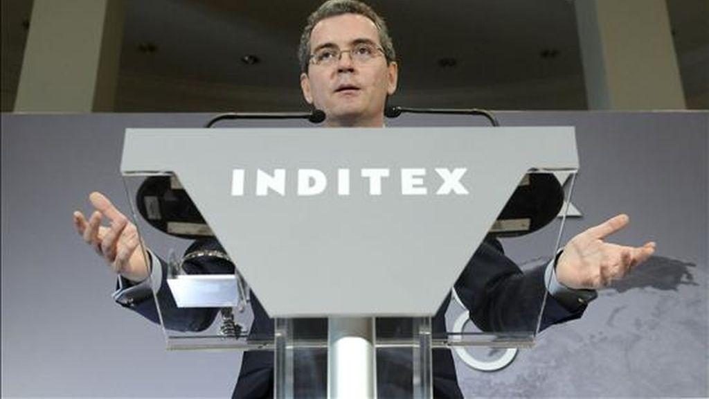 En la imagen, el vicepresidente primero y consejero delegado de la multinacional textil española Inditex, Pablo Isla, durante la presentación de los resultados de la empresa en 2008. EFE/Archivo