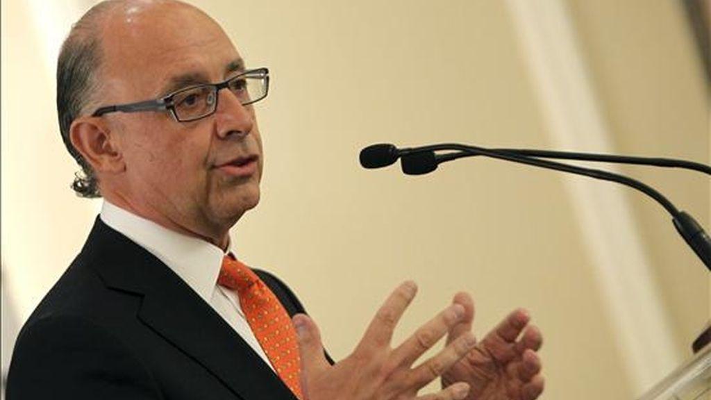 El coordinador de Economía del PP, Cristóbal Montoro, durante su intervención en el Foro Cinco Días que tiene lugar en Madrid. EFE