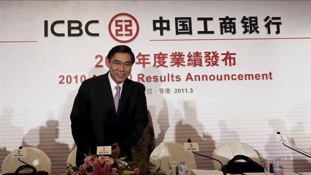 El presidente del Banco Industrial y Comercial de China (ICBC), Jiang Jianqing, en una rueda de prensa. EFE/Archivo