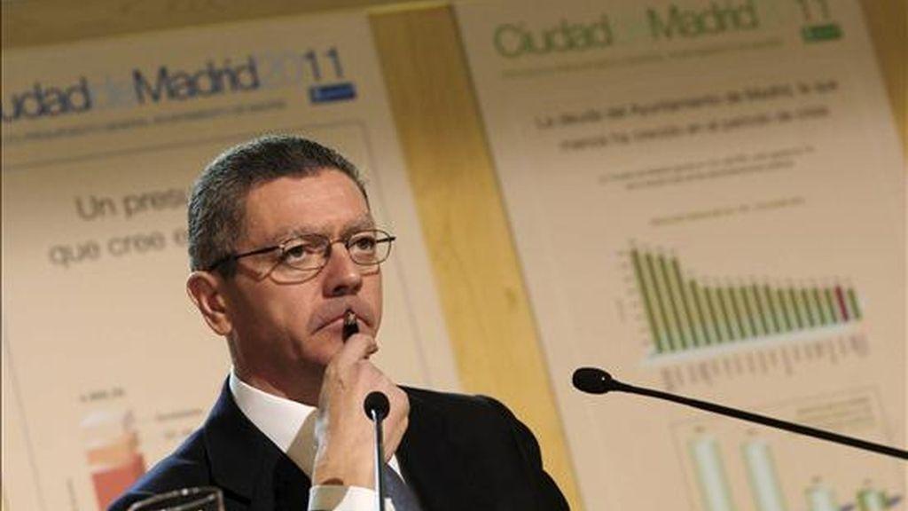 Madrid calcula en 140 millones las pérdidas por la huelga de controladores. En la imagen, el alcalde de Madrid, Alberto Ruiz-Gallardón. EFE/Archivo