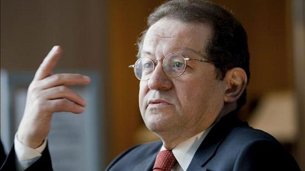 """El vicepresidente del Banco Central Europeo (BCE), Vitor Constancio, destacó hoy que los resultados de la prueba de solvencia realizada a 91 entidades financieras europeas demuestran """"la resistencia y capacidad de recuperación"""" de la banca de la euro-zona tras la crisis desatada a finales de 2008. EFE"""