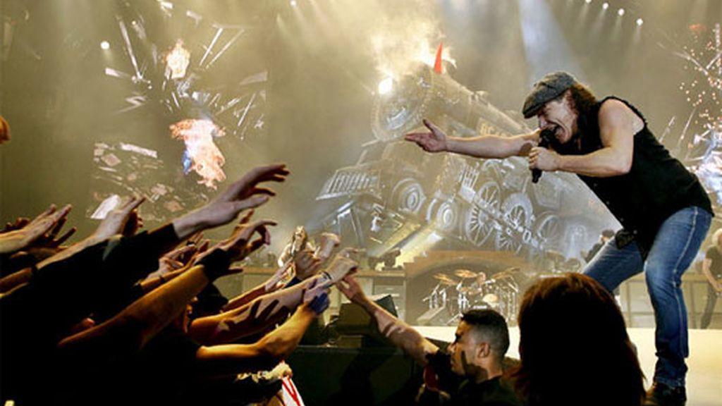 Miles de fans disfrutaron con el concierto. Vídeo: Informativos Telecinco