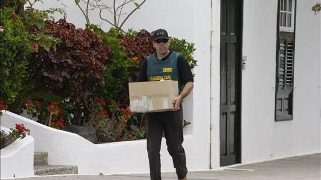 El juez del juzgado de instrucción número 5 de Arrecife, César Romero Pamparacuatro, ha enviado esta madrugada a prisión a otro constructor detenido por la trama de corrupción de Lanzarote, Lluis Lleó Khunel, quien fue arrestado el pasado jueves en Reus (Tarragona). EFE/Archivo