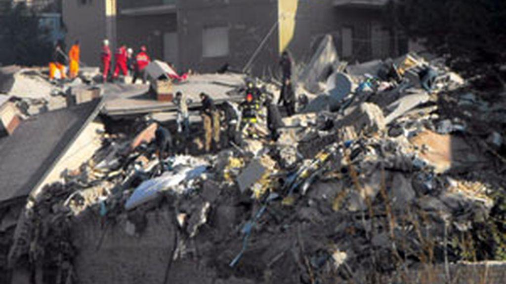 Un edificio completamente derruido tras el terremoto. Foto:EFE