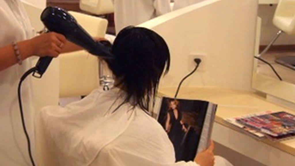 La sociedad de Autores francesa aumenta el canon a las peluquerías y están apagan la música.