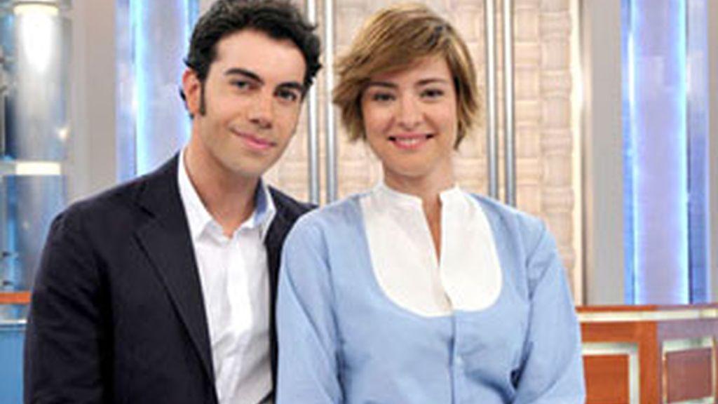Sandra Barneda y Alberto Herrera, presentadores del programa.