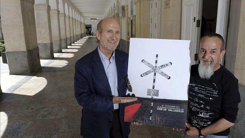 El director de la Semana Internacional de Cine de Valladolid (Seminci), Javier Angulo (i), presentó hoy el cartel anunciador de la próxima edición de la 56 Semana Internacional de Cine de Valladolid (Seminci), junto al artista navarro Iñaki Fernández (d), autor del mísmo. EFE