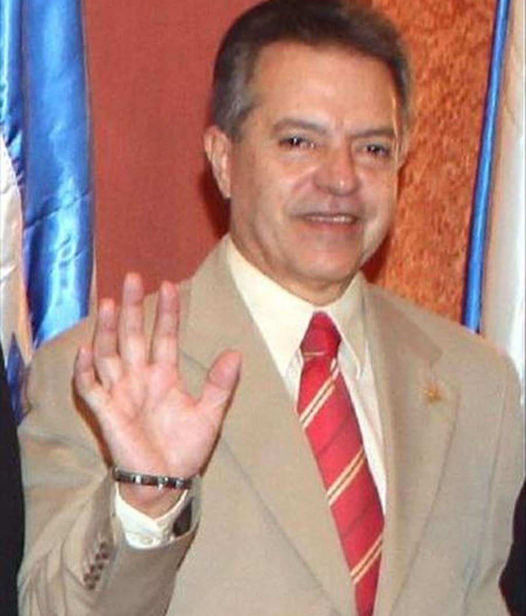 """El vicepresidente hondureño, Víctor Hugo Barnica, restó importancia a los rumores de un golpe de Estado contra Lobo, que relacionó con mensajes que """"llegaban por todos lados"""" a mediados de junio, cuando el presidente viajó a Sudáfrica para apoyar a su país en el Mundial de fútbol. EFE"""