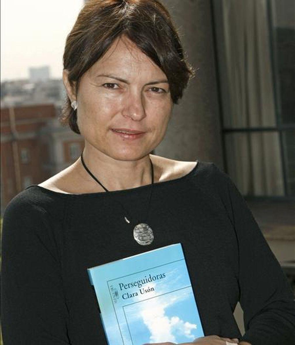 La novelista barcelonesa Clara Usón durante una entrevista con Efe. Fotografía de septiembre de 2007. EFE/Archivo