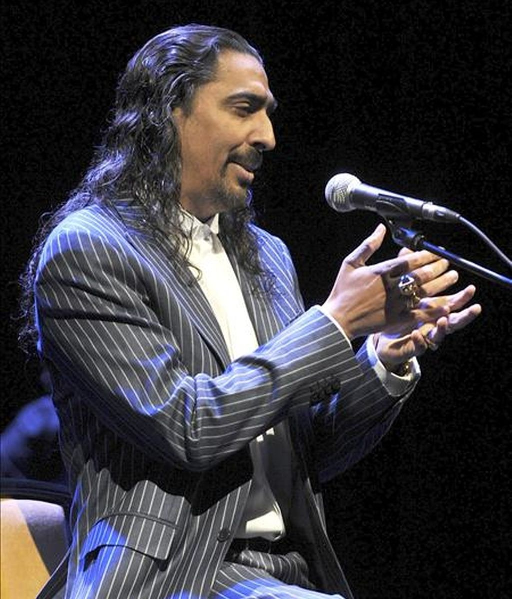 """El cantaor Diego """"El Cigala"""", durante su actuación esta noche incluido en el ciclo """"Valladolid vive la música"""", en el que ha presentado su nuevo disco """"Cigala & Tango"""". EFE"""
