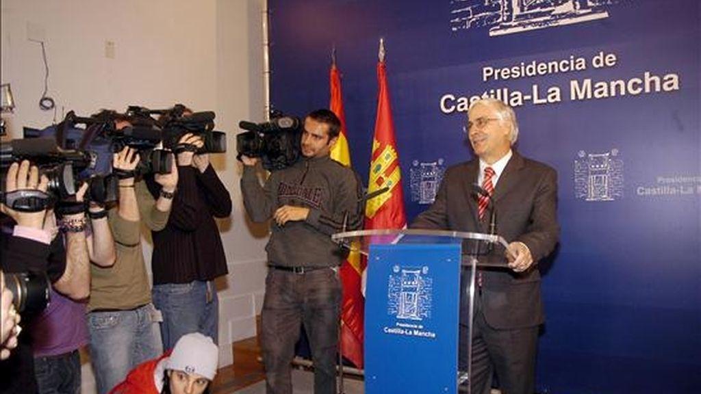 El presidente de Castilla-La Mancha, José María Barreda, ofreció hoy una rueda de prensa para tratar sobre la intervención de CCM por parte del Banco de España. EFE