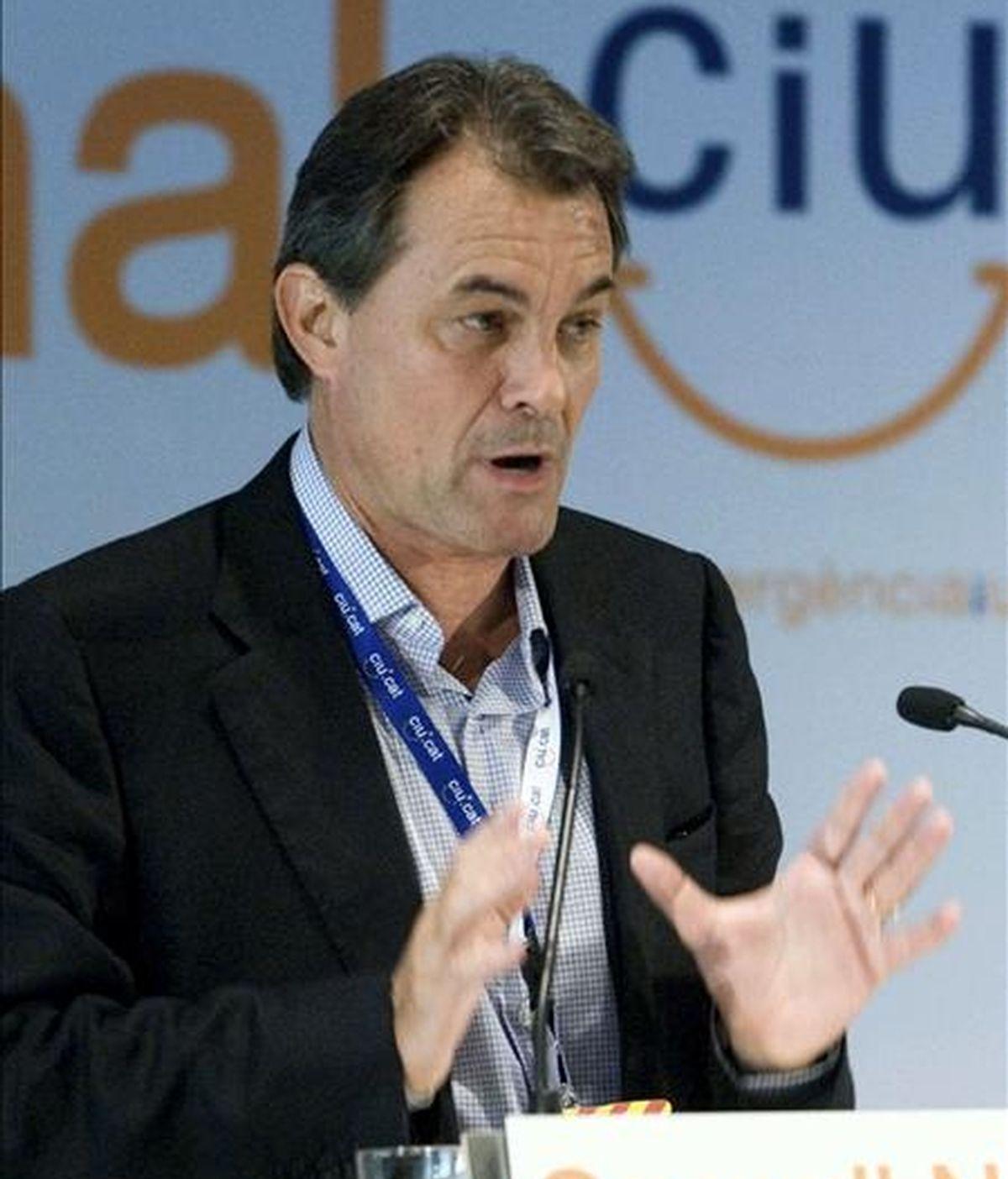 El presidente de Convergència i Unió, Artur Mas, en un momento de su intervención durante la reunión conjunta de los consejos nacionales de CDC y de UDC. EFE/Archivo