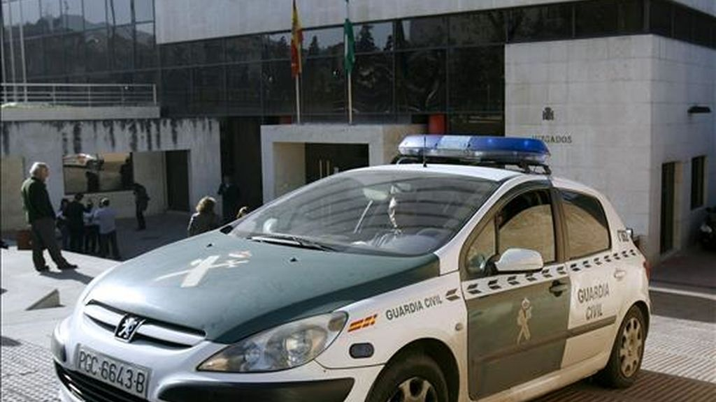 Un coche patrulla de la Guardia Civil. EFE/Archivo