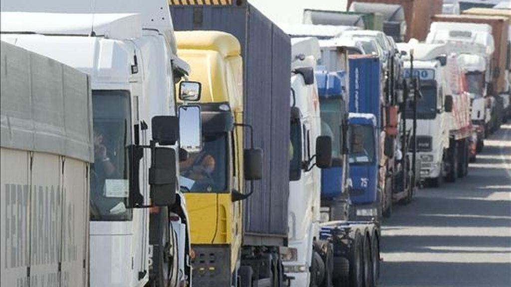 Camiones de transporte de mercancias. EFE/Archivo