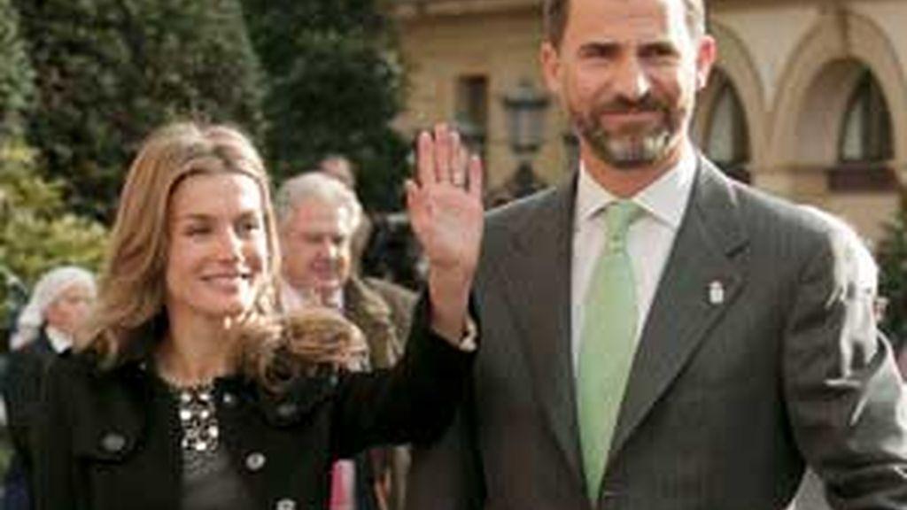 Don Felipe y Doña Letizia asistieron en Oviedo al concierto de clausura de la XVIII Semana de Música. Video: ATLAS.