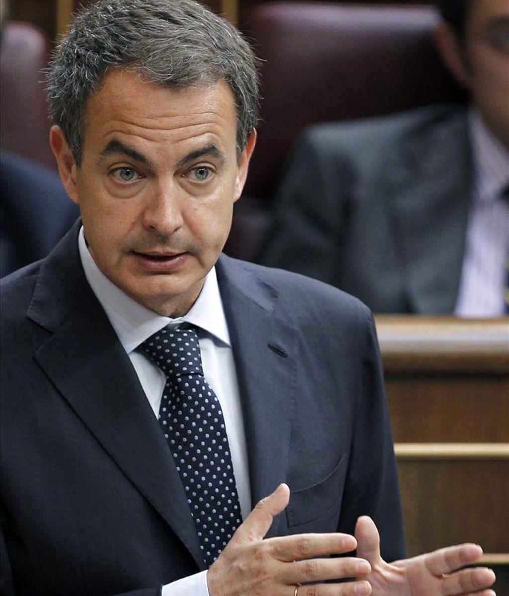 El presidente del Gobierno, José Luis Rodríguez Zapatero, ayer en una de sus intervenciones durante la sesión de control al Ejecutivo del pleno del Congreso. EFE
