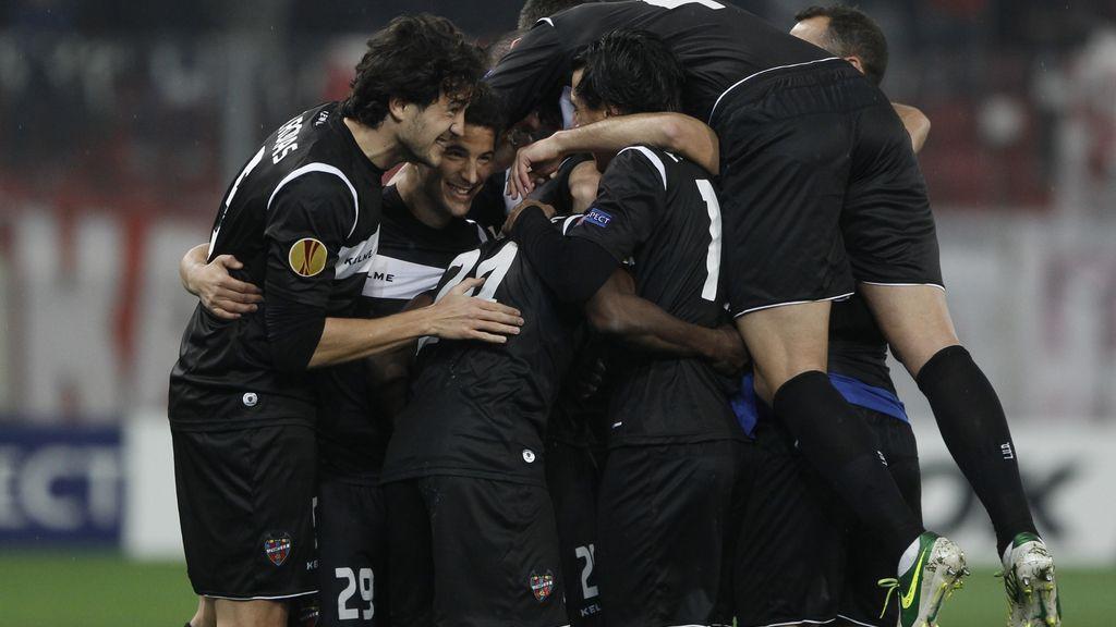 El Levante celebra el gol ante el Olympiacos