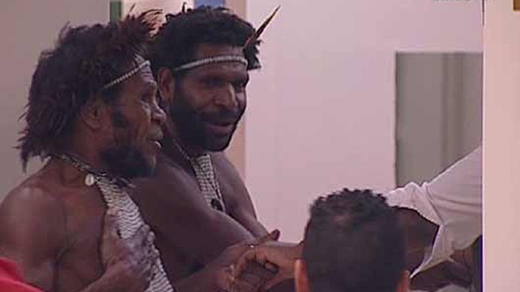 Una tribu indígena 'invade' Guadalix