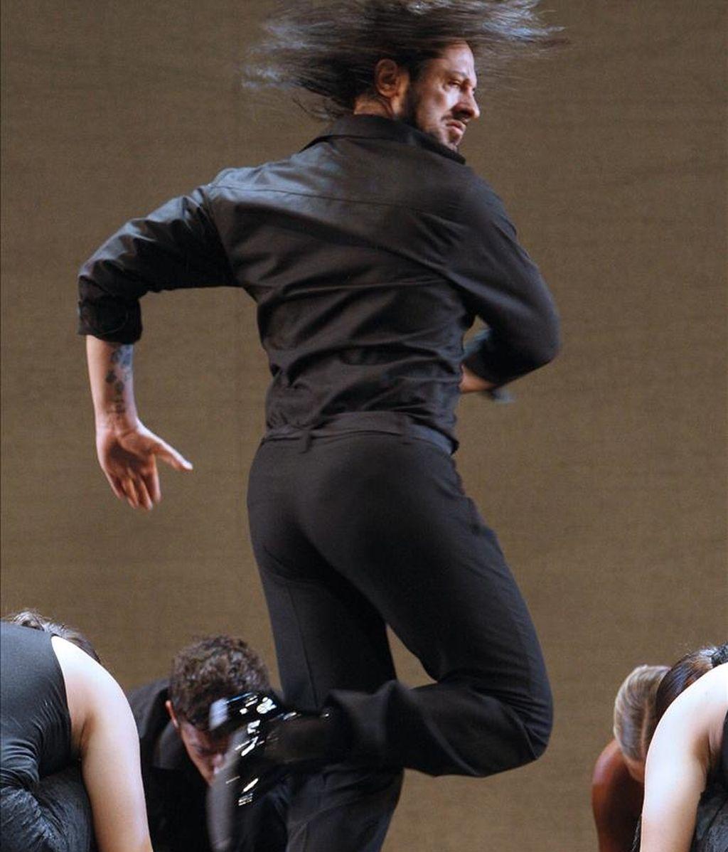 """El bailarín y coreógrafo Rafael Amargo, durante el pase gráfico de """"La difícil sencillez"""", un montaje con el que regresa a los escenarios españoles y que pondrá en escena en los Teatros del Canal, en Madrid. EFE/Archivo"""