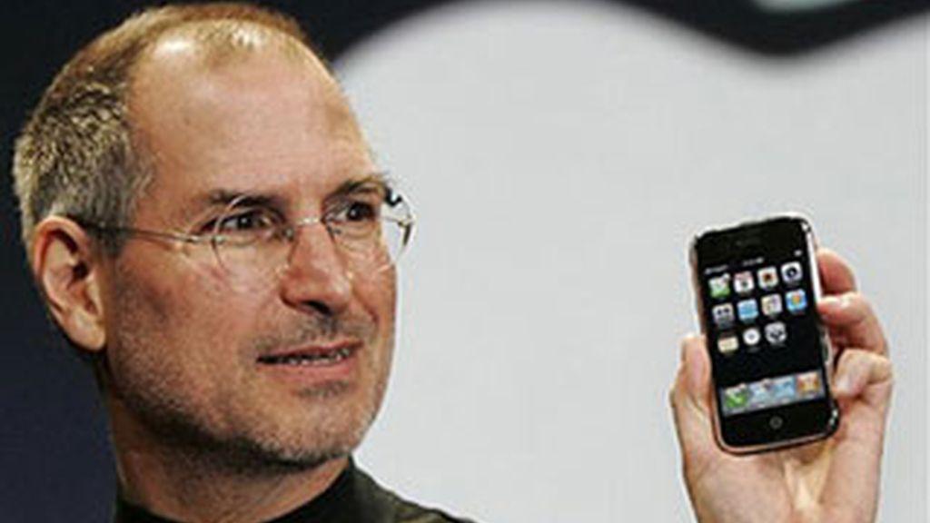 Han pasado más de tres meses desde que dejó Apple por una baja médica, pero el conserjero delegado Steve Jobs sigue involucrado de lleno en aspectos claves de la dirección de la compañía. Foto de archivo