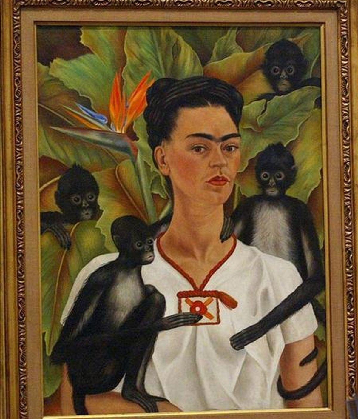 """Fotografía de archivo del cuadro """"Autorretrato con monos"""" de la famosa artista mexicana Frida Kahlo (1907-1954), en una exposición en el Museo Tate Modern de Londres (Reino Unido). EFE/Archivo"""