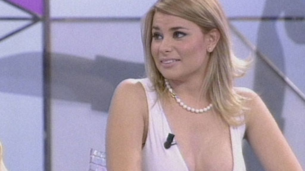 María Lapiedra escotazo en 'Sálvame'