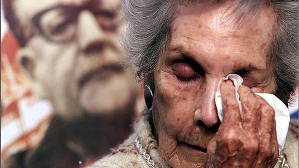 Fotografía del 26 de junio del 2003 en la que se observa a Hortensia Bussi, viuda del ex presidente chileno Salvador Allende Gossens, quien murió tras el sangriento golpe de estado dirigido por el dictador Augusto Pinochet. EFE