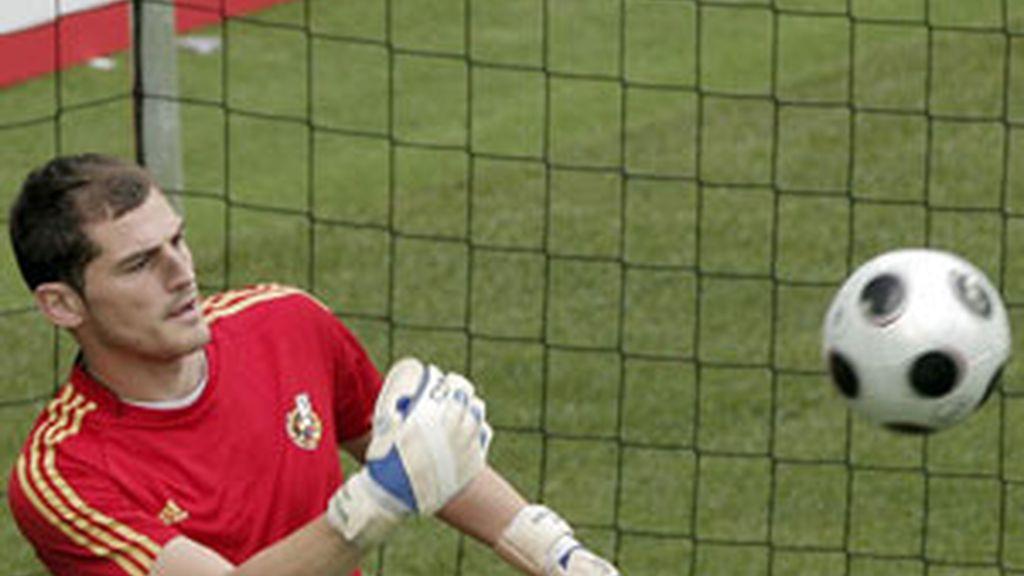 Casillas durante el entrenamiento en Austria. Foto:EFE