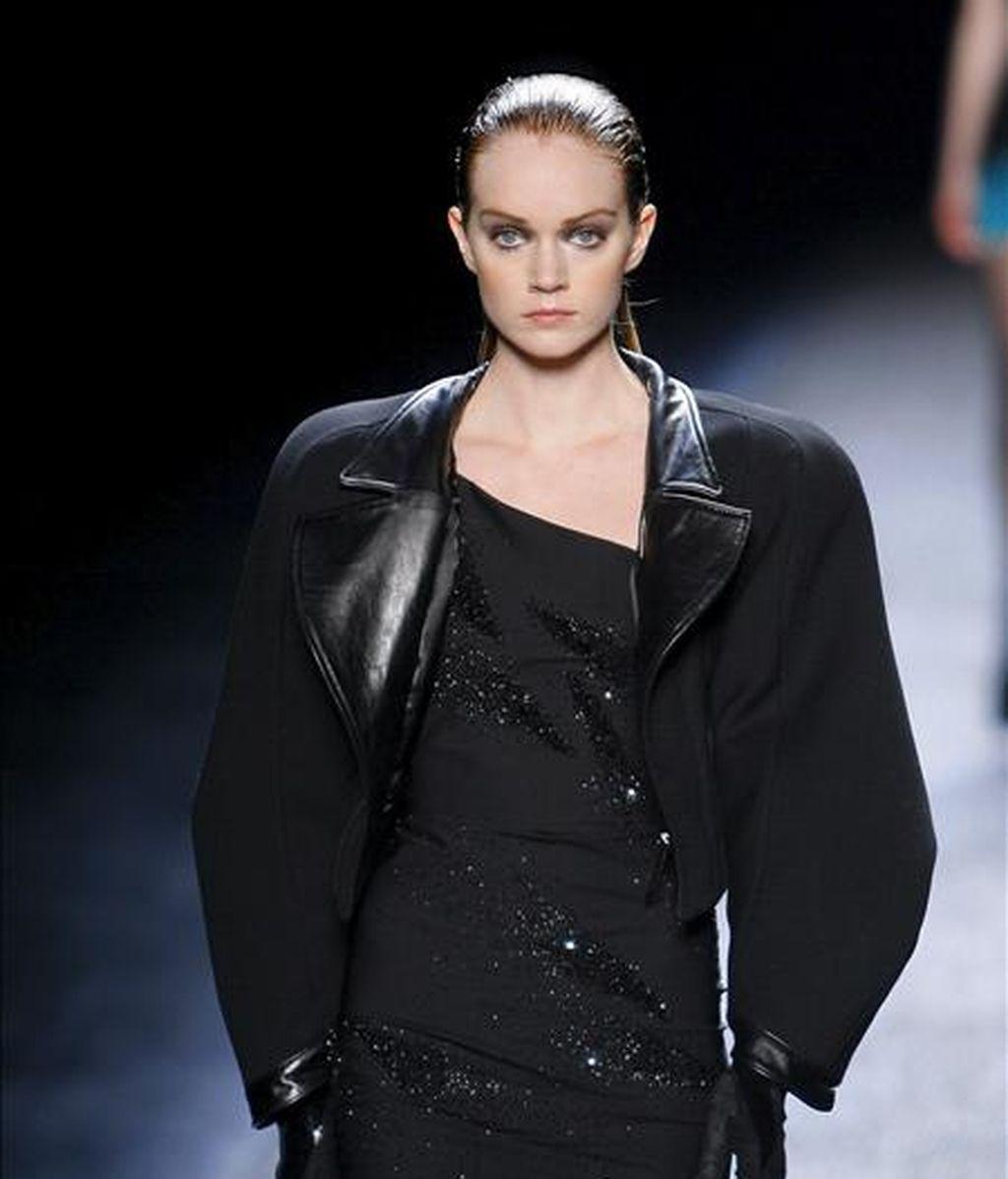 Una modelo luce una creación de la diseñadora Nina Ricci el pasado 5 de marzo, durante el desfile de ropa casual de la Semana de la Moda de París (Francia). EFE/Archivo