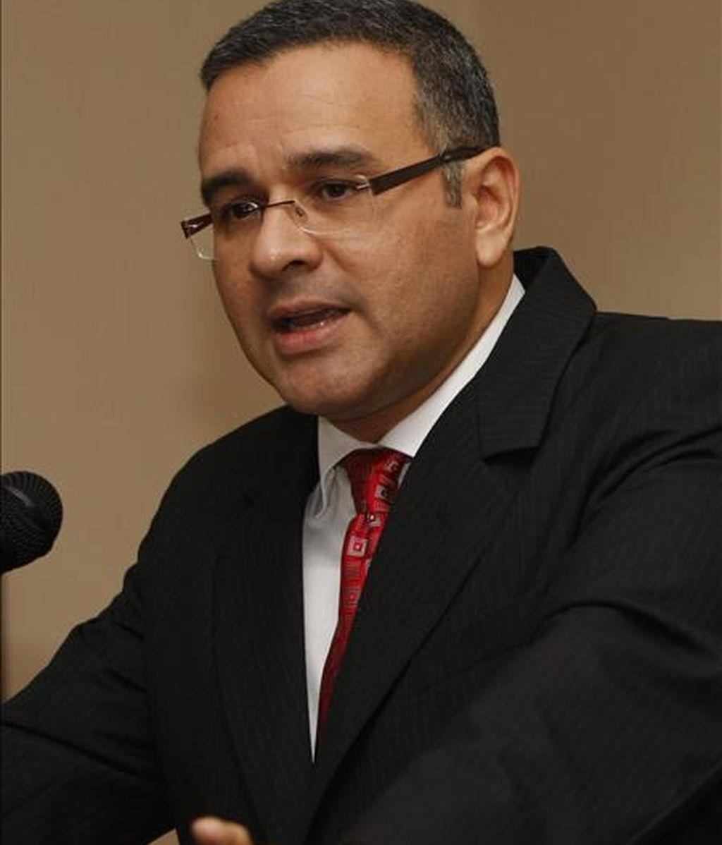 Funes se convertirá desde este 1 de junio en el primer presidente de izquierda en El Salvador, donde los últimos cuatro Gobiernos fueron de la Alianza Republicana Nacionalista (ARENA, derecha). EFE/Archivo