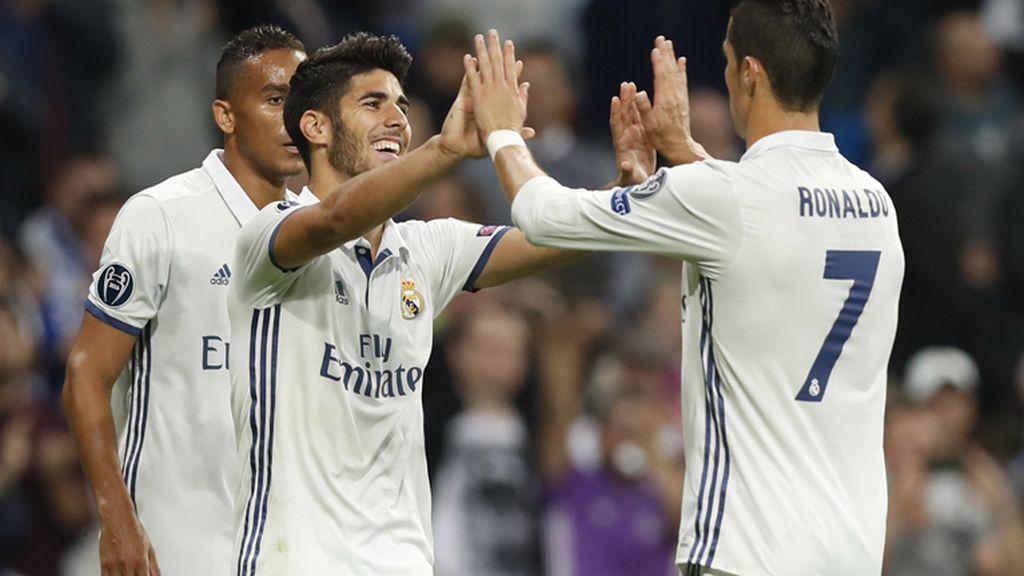 El Real Madrid golea a la 'fiera' polaca en el Bernabéu