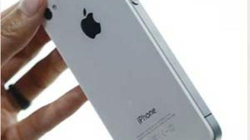 Los usuarios zurdos han sido los más perjudicados por el fallo del iPhone4.