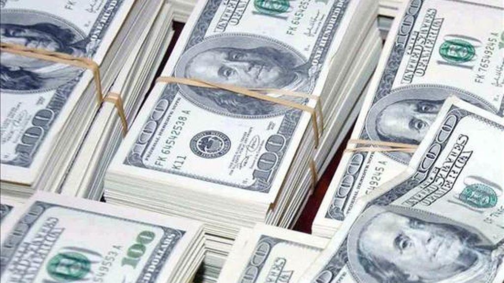 La Reserva Federal adquirirá hasta 300.000 millones de dólares en bonos del Tesoro antes del otoño (hemisferio norte), según un comunicado. EFE/Archivo