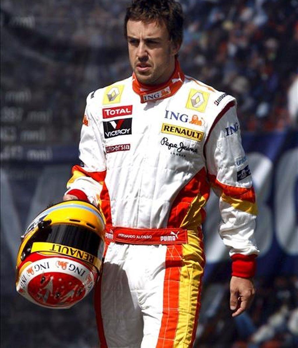 El piloto de Fórmula Uno Fernando Alonso, de Renault, manifestó su confianza en su equipo con miras al Gran Premio de China. En la imagen, Alonso, durante un entrenamiento. EFE/Archivo