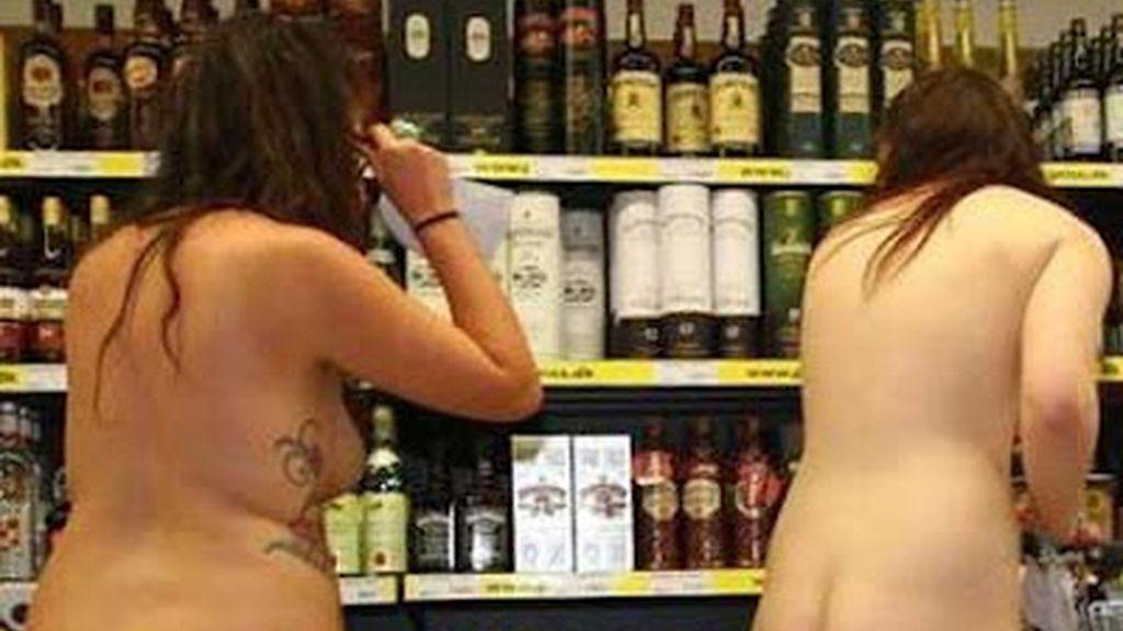Desnudos al super