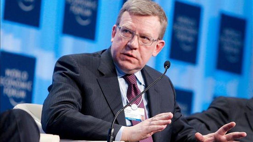 El ministro de Finanzas de Rusia, Alexéi Kudrin, interviene en una sesión celebrada durante la segunda jornada del Foro Económico Mundial en Davos, Suiza, hoy jueves 28 de enero de 2010. EFE/Archivo