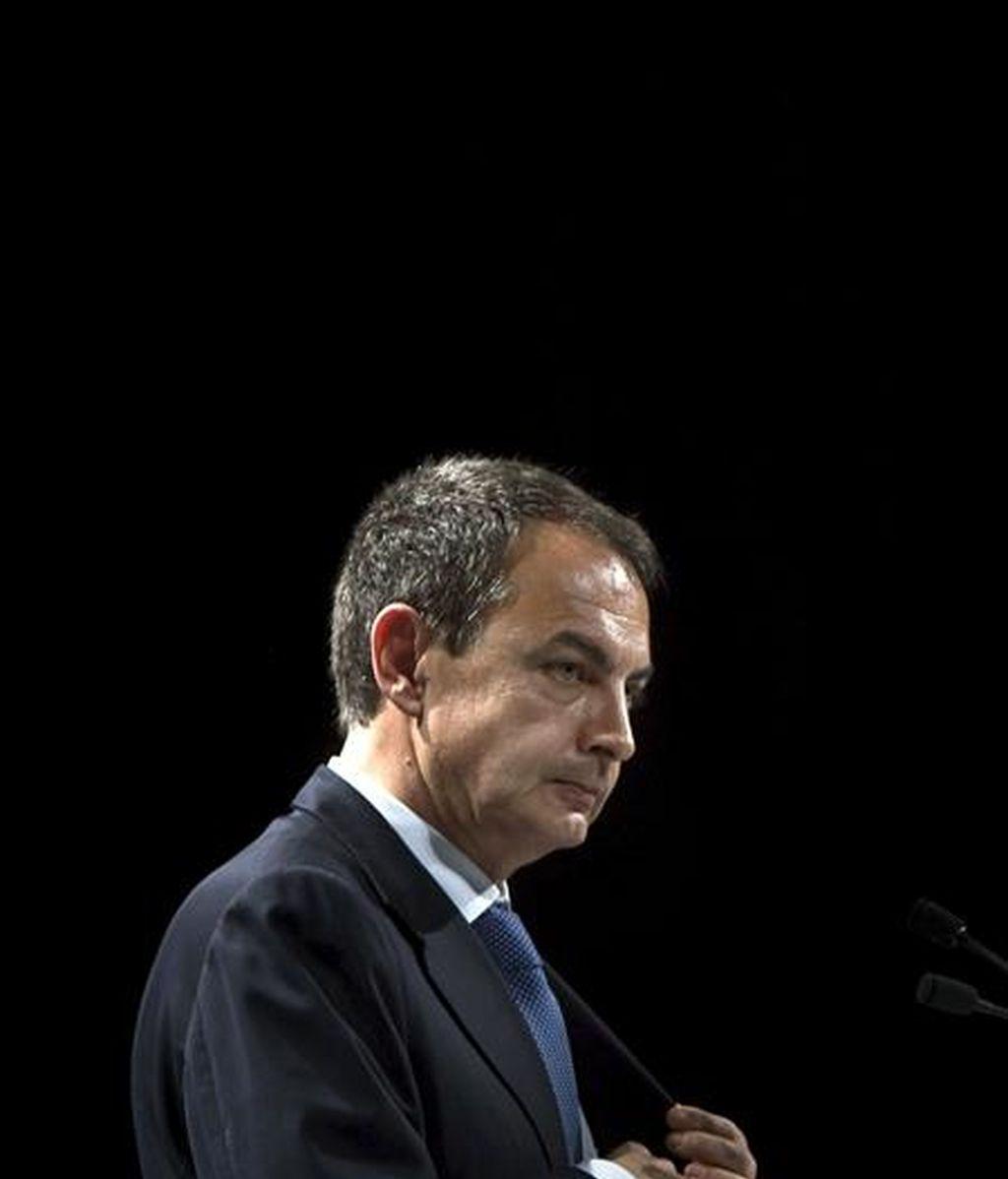 El presidente del Gobierno, José Luis Rodríguez Zapatero, durante la rueda de prensa que ha ofrecido tras la cumbre que el G-20 ha celebrado hoy en Londres. EFE
