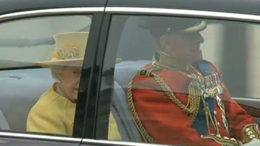 La Reina, camino de Westminster