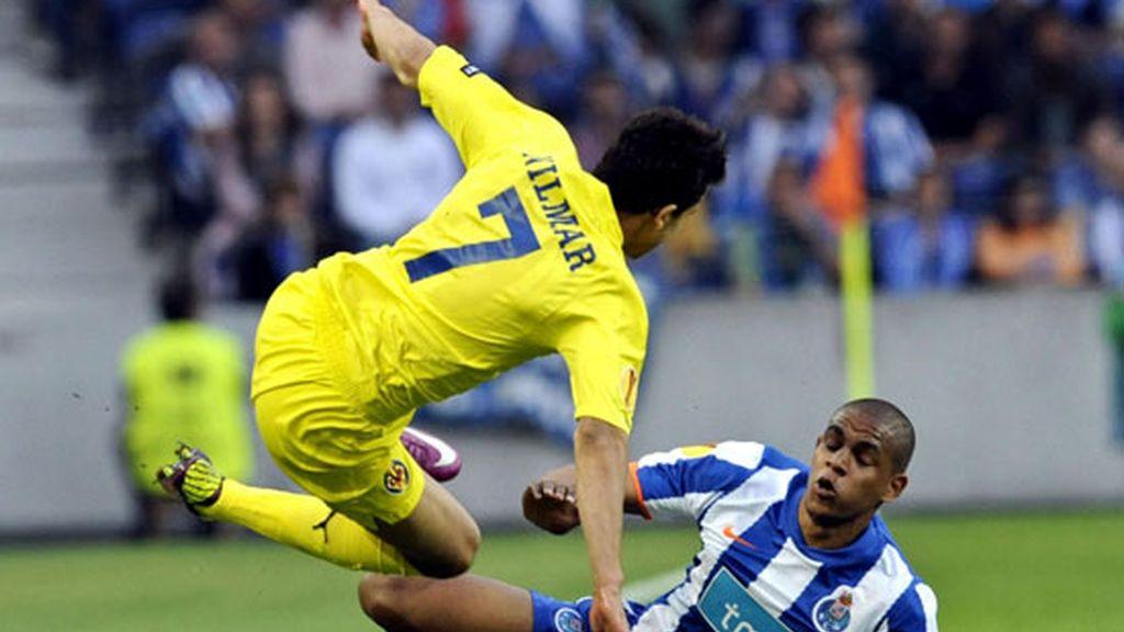 El Villarreal de Nilmar no pudo con el Oporto en la ida de las semifinales de la Europa League. Foto: EFE