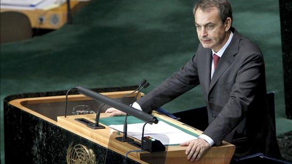 En su segunda jornada en Nueva York, El jefe del Ejecutivo español, José Luis Rodríguez Zapatero, compartió un desayuno de trabajo con los máximos responsables de bancos, fondos de inversión y aseguradoras. EFE