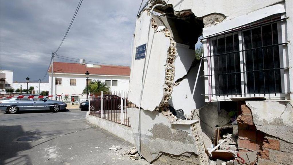 Estado en el que ha quedado una de las viviendas sita en la calle Beatriz Campos de Lorca tras el terremoto de 5,1 grados en la escala de Richter, que sacudió este miércoles la ciudad y en el que nueve personas han muerto y casi 300 han resultado heridas. EFE