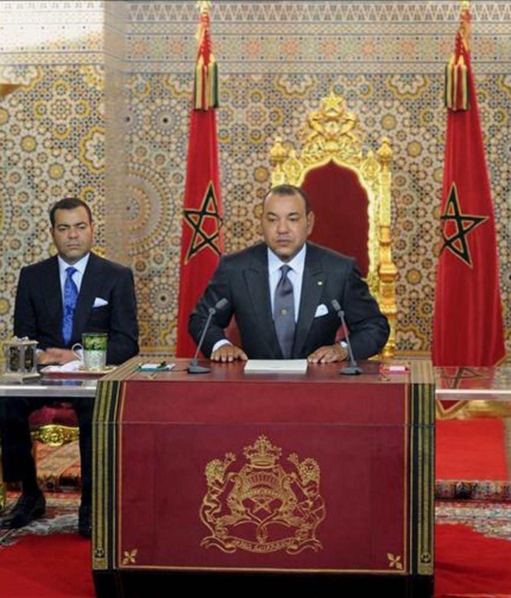 El rey Mohamed VI de Marruecos, durante el discurso que pronunció este viernes con motivo del undécimo aniversario de su coronación. EFE