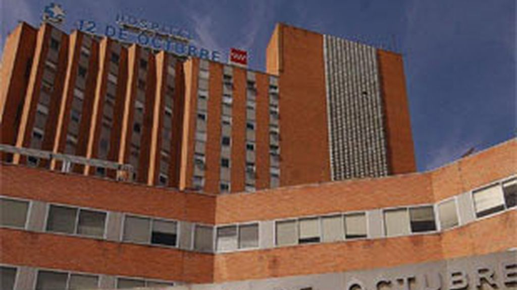 Imagen de archivo del hospital 12 de Octubre, en el que se encuentra ingresada la menor
