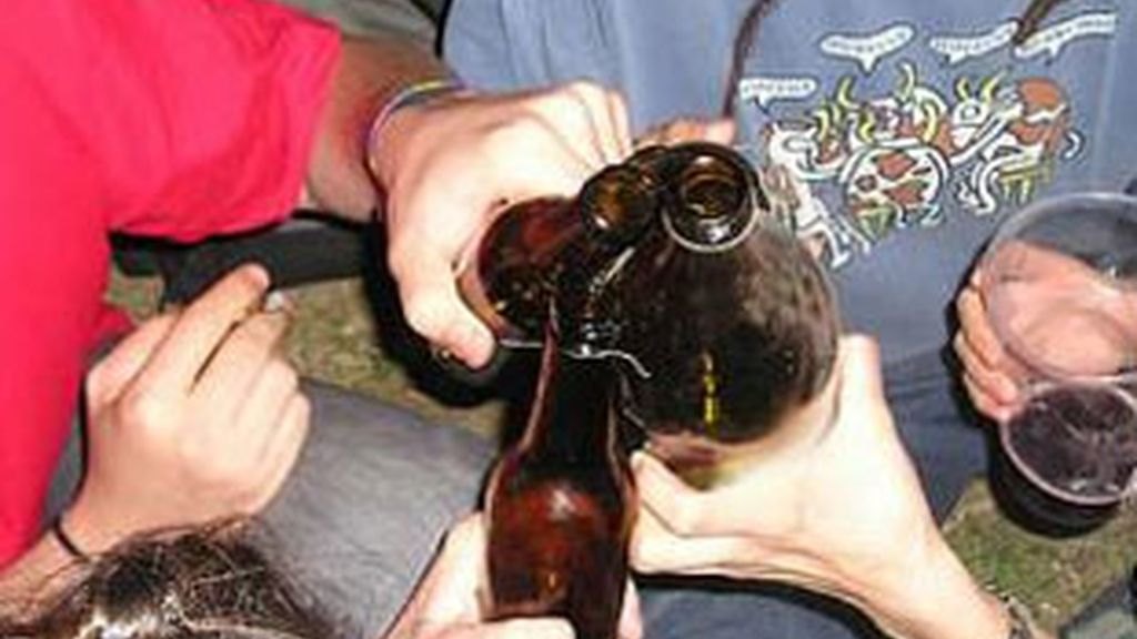El alcohol, responsable de más de 15.000 cánceres al año en España. Foto: EFE.