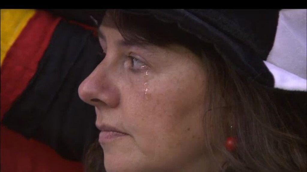 Las lágrimas falsas de la aficionada alemana en la Euro 2012