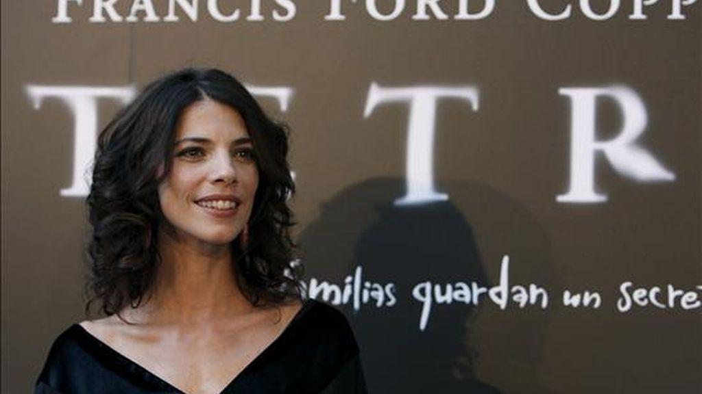"""La actriz Maribel Verdú posa durante el estreno de la película """"Tetro"""", del cineasta estadounidense Francis Ford Coppola, esta tarde en Madrid. EFE"""