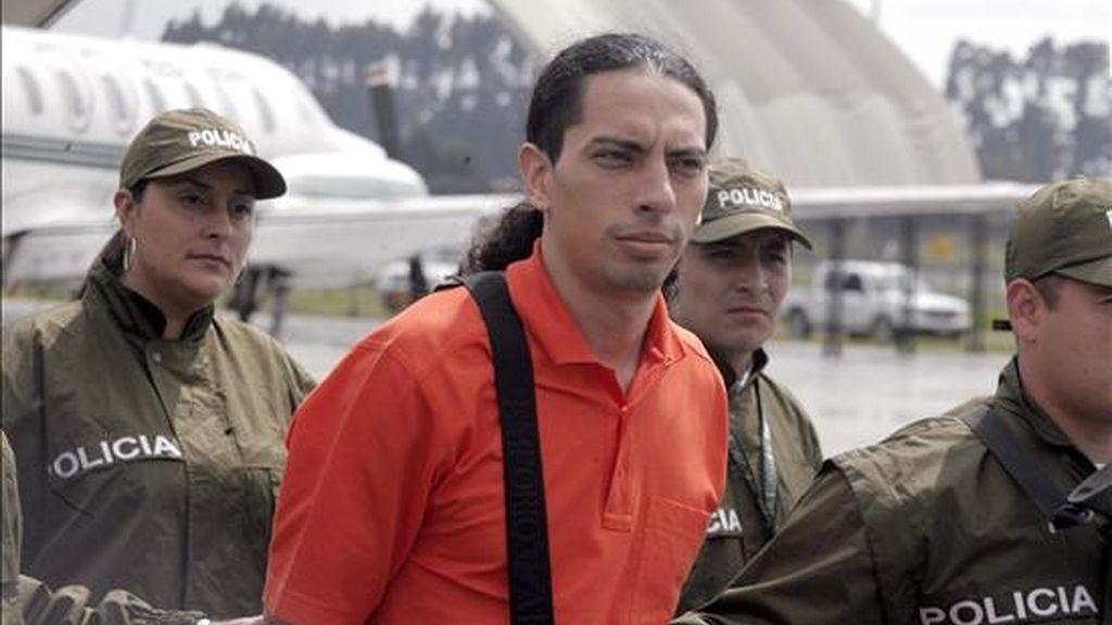 Foto del 20 de noviembre de 2008 de David Murcia Guzmán, quien aseguró que DMG hizo aportes por unos 5.000 millones de pesos (más de 1,97 millones de dólares) para la campaña que busca la segunda reelección del presidente Uribe. EFE/Archivo